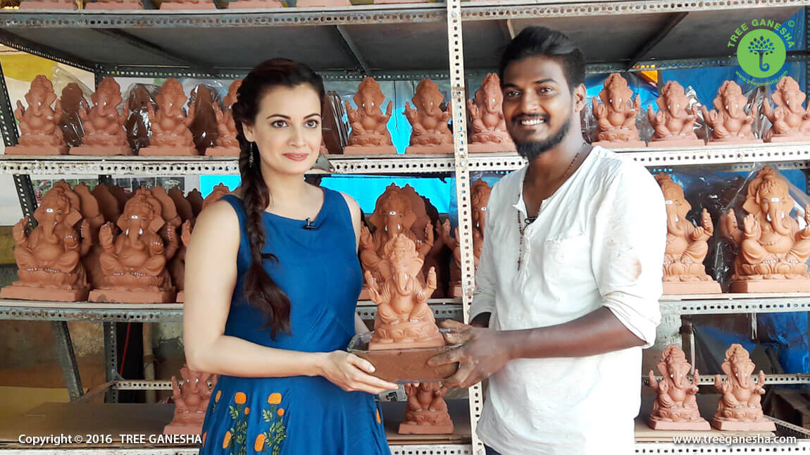 The renowned bollywood actress Dia Mirza visited Tree Ganesha Studio to support Eco-friendly Idols.